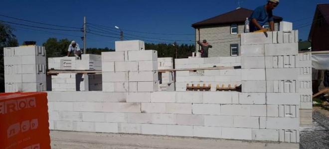 Описание газобетонных и керамических блоков: преимущества, сравнительные характеристики и проблемные моменты