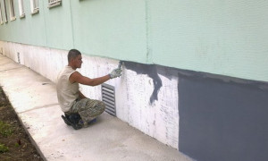Краска для фундамента по бетону: разновидности, правила нанесения
