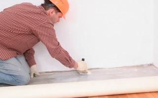 Чем приклеить линолеум к бетону; выбираем правильную смесь для укладки