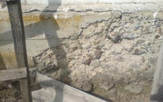 Почему крошится, трескается, разрушается бетон в фундаменте, дорожке, столбе? Причины разрушения бетона