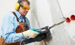 Как установить розетку в бетонную стену своими руками
